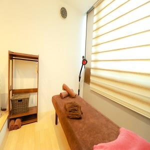 1棟貸し切りの完全個室でゆっくりと施術を体験ください!