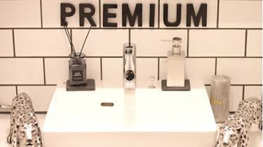 脱毛サロン Premium新宿